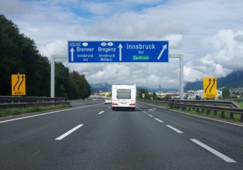 Tirolo, divieto di circolazione per i veicoli isolati o complessi con una lunghezza superiore ai 12 metri a Innsbruck Sud