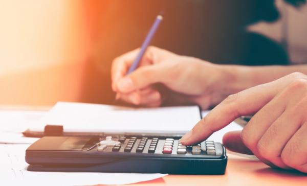 Regime di cassa su registrazioni Iva. La deducibilità dei costi non segue l'anno di detraibilità dell'Iva
