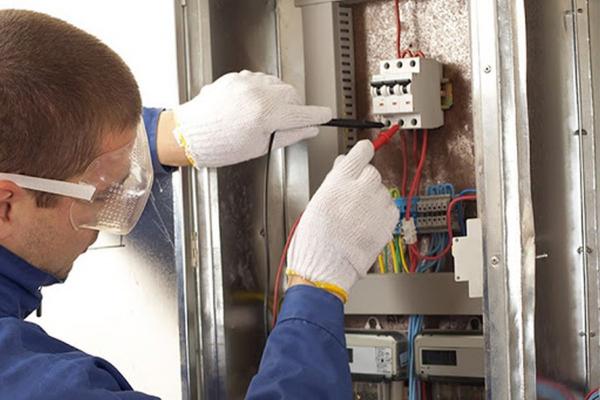 Online Fortbildung für Elektrische Sicherheit - Ausbildung zum PES- PAV-PEI gemäß CEI 11/27