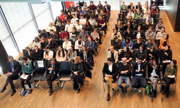 Esperienze di prima mano alla Giornata dell'economia per studenti e studentesse delle scuole professionali. Tra i relatori, Rachele Scalise di CNA-SHV