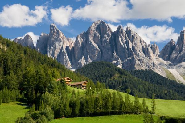 Centro Studi CNA: ponte 25 aprile - 1° maggio, 9 milioni di pernottamenti. Il 25% sceglie la montagna, Trentino Alto Adige tra le mete preferite